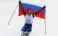 Roman Petushkov winning the Biathlon Men's 12.5km Sitting competition Mar. 11