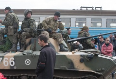 Soldiers seen near a railway in Kramatorsk